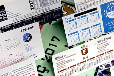090CS Calendaris sobretaula PVC paret