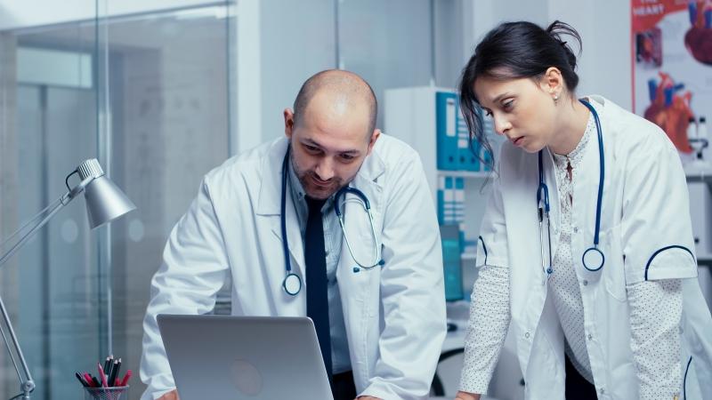 roba laboral personalizada para hospitales