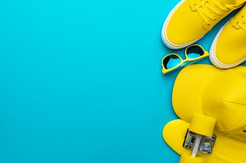 bodegon material en amarillo regalos de empresa personalizados GRAFICSER