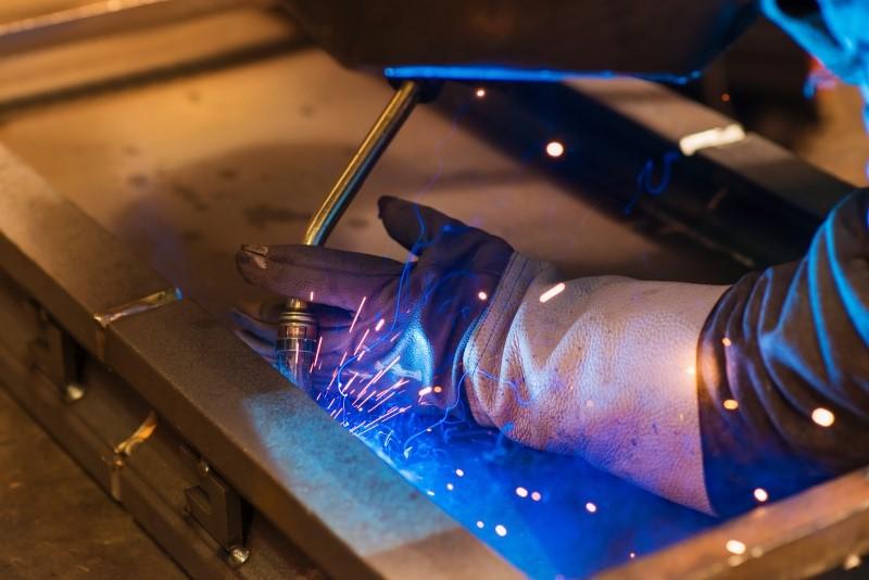 Produccion de EPIs e uniformes laborales de seguridad