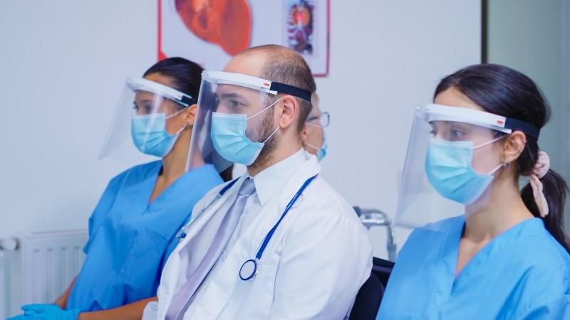 Ropa de trabajo para la sanidad la estética y la limpieza